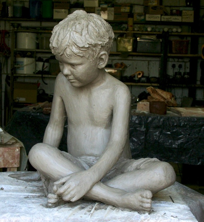 Bronze sculpture children (Dan)